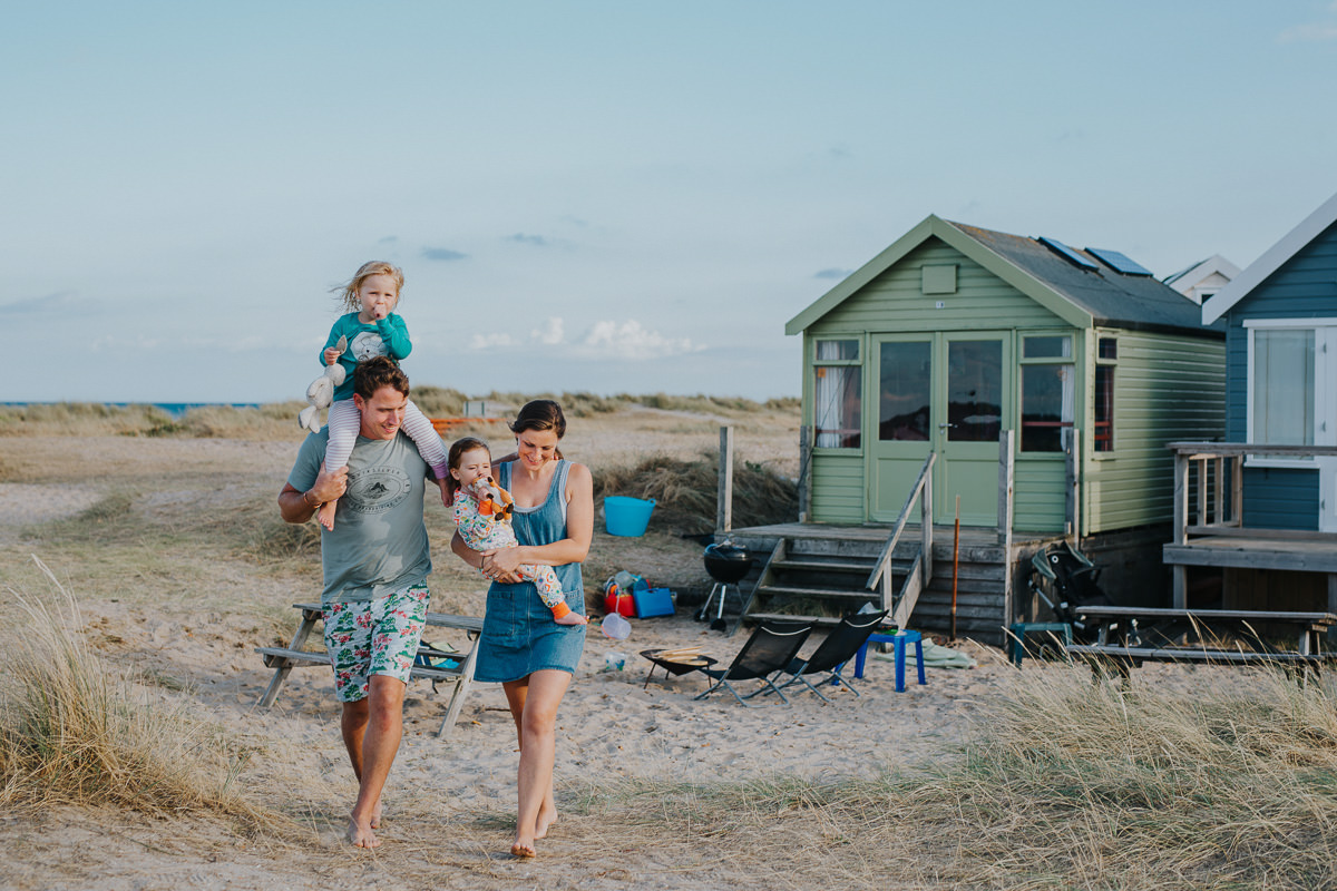 documentary family photography at the beach